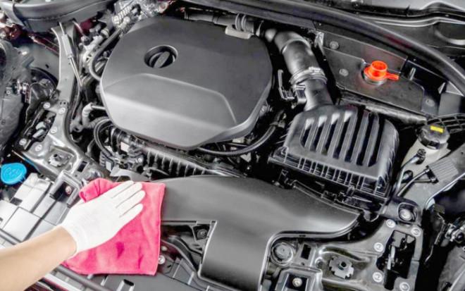 Có nên rửa khoang máy xe ô tô? - 1