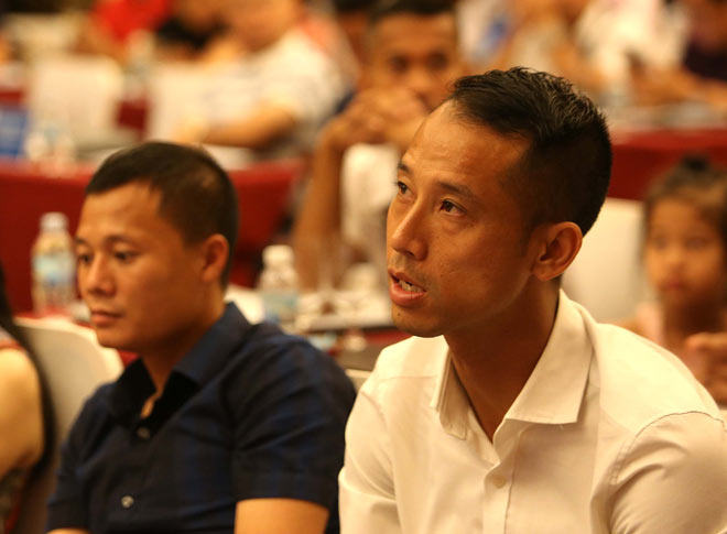 """Where is the """"100 years 1"""" player of <b>Vietnamese</b> football, how ..."""
