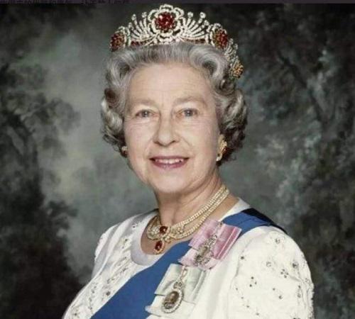 Nhan sắc thời trẻ của Nữ hoàng Anh: Được ví như Nữ vương cổ tích, chồng nguyện bỏ ngai vàng để ở bên - 1