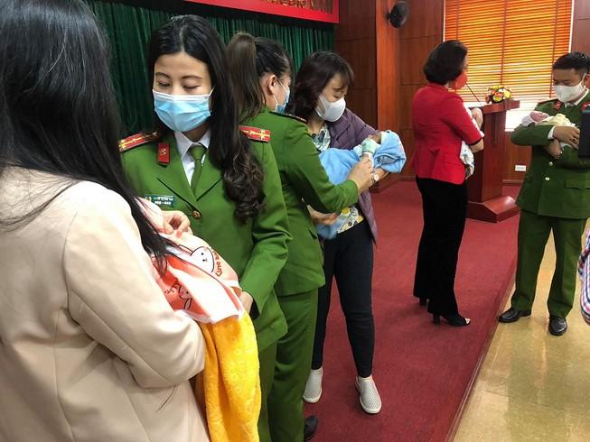 Bộ Công an tạm giam đôi nam nữ chuyên tổ chức bán trẻ sơ sinh sang nước ngoài - 1