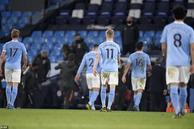 Thuyết âm mưu: Nghi ngờ ý đồ của Pep Guardiola, Man City tự thua? - 1