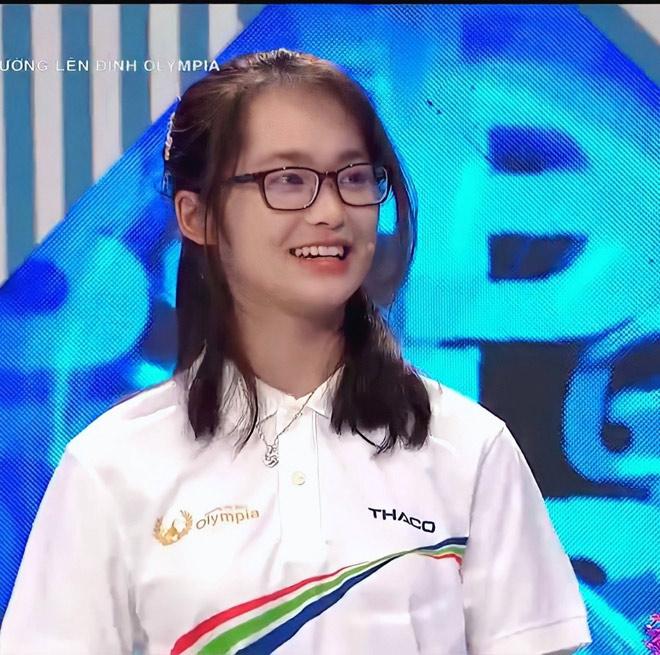 """Cô gái Hà Nội """"chiếm sóng"""" Đường lên đỉnh Olympia vì quá xinh - 3"""