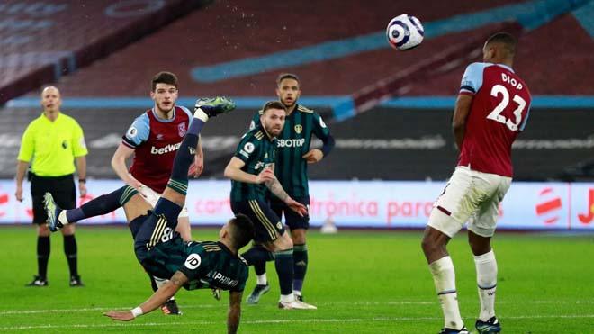 Video West Ham - Leeds United: Lingard lập công, Chelsea lo sợ - 1