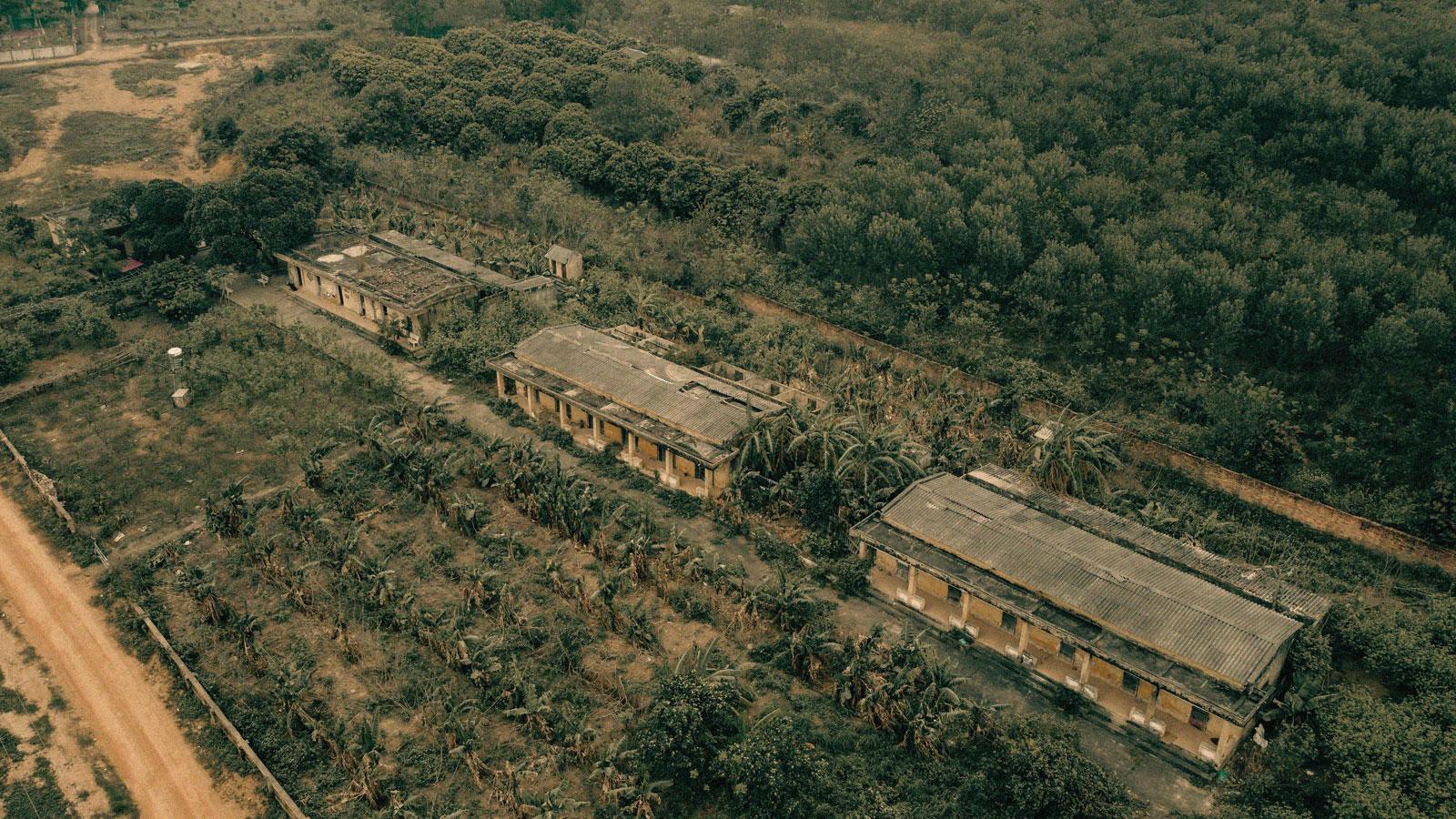 Người phụ nữ khốn khổ sống cô độc trong khu nhà bỏ hoang giữa rừng - 7