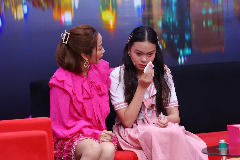 """Ốc Thanh Vân thương xót cô bé 14 tuổi """"nhiều lần thấy ba bước ra khách sạn với phụ nữ khác"""" - 1"""