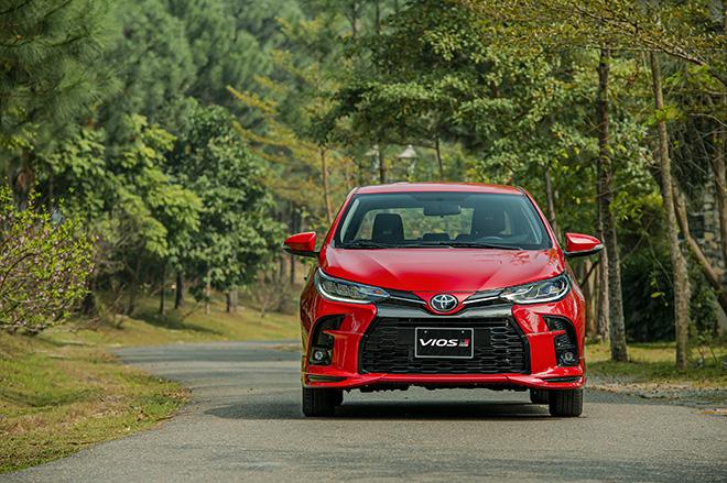 Chọn Toyota Vios GR-S hay Honda City RS, tầm giá hơn 600 triệu - 1