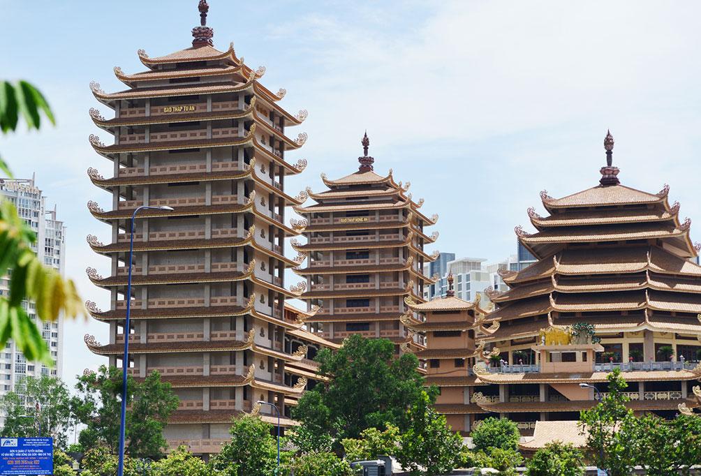 Ngôi chùa ở Sài Gòn có 4 bảo tháp lớn nhất Việt Nam - 6