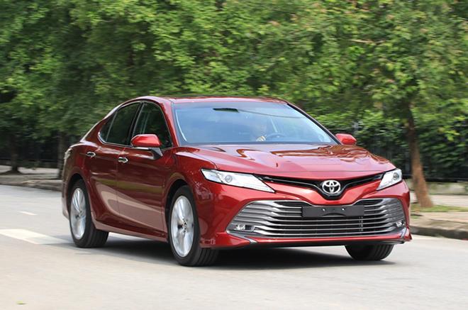 Giá xe Toyota Camry lăn bánh tháng 3/2021 - 1