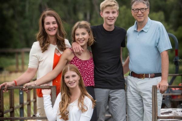 Cậu con trai duy nhất của tỷ phú Bill Gates: Học cực giỏi lại có tài lẻ, cuộc sống kín tiếng ít ai biết tới - 1