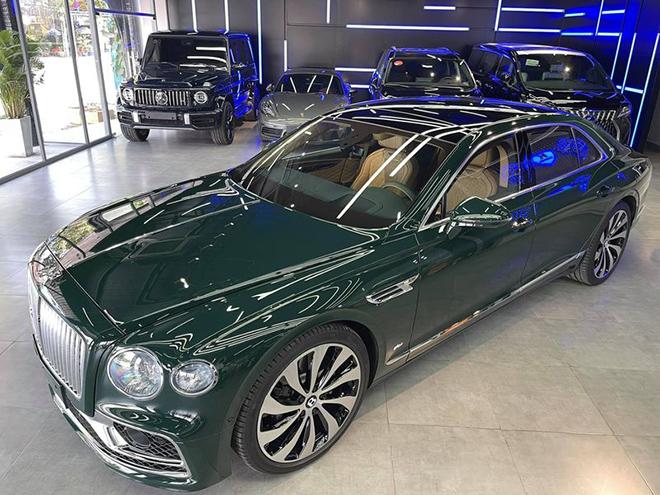 Đại gia Việt tiếp tục chơi lớn, tậu Bentley Flying Spur First Edition 2021 giá 30 tỷ đồng - 1