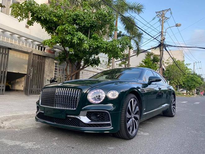 Đại gia Việt tiếp tục chơi lớn, tậu Bentley Flying Spur First Edition 2021 giá 30 tỷ đồng - 8