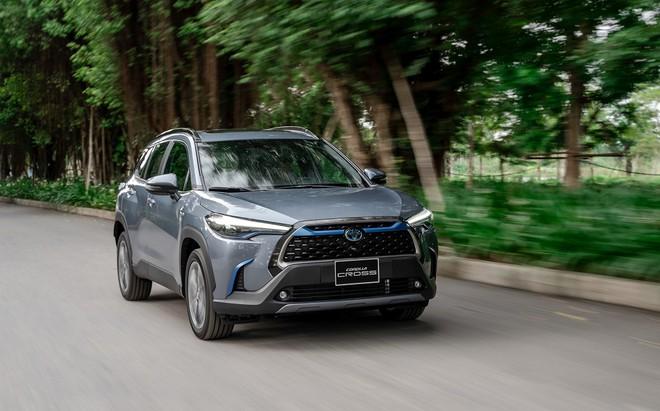 Giá xe Toyota Corolla Cross lăn bánh tháng 3/2021 - 1
