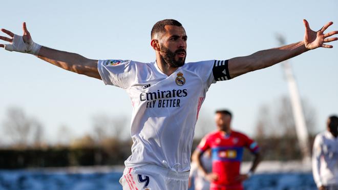 Video Real Madrid - Elche: Cứu tinh Benzema, vỡ òa phút 90+1 - 3