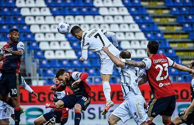 """Ronaldo hat-trick chấn động châu Âu vượt """"Vua"""" Pele, SAO Leicester khiến MU run rẩy - 1"""