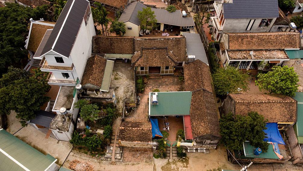 Ngôi nhà cổ gần 200 tuổi chứa bảo vật dát vàng, giá nào cũng không bán - 1