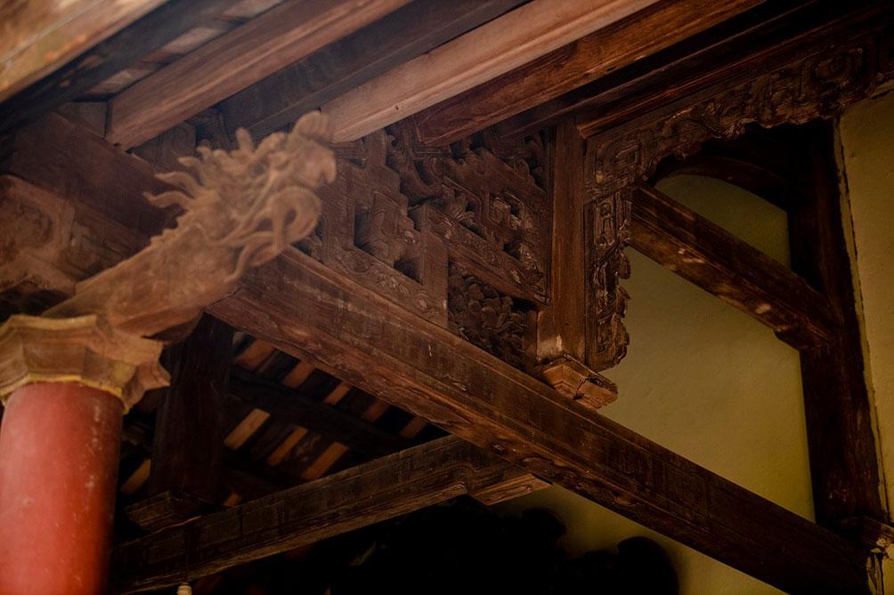 Ngôi nhà cổ gần 200 tuổi chứa bảo vật dát vàng, giá nào cũng không bán - 11