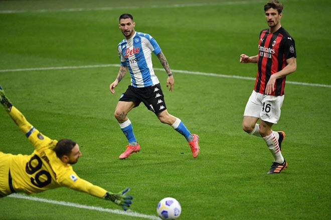 Video AC Milan - Napoli: Đòn đau đầu hiệp, hụt bước tai hại - 1