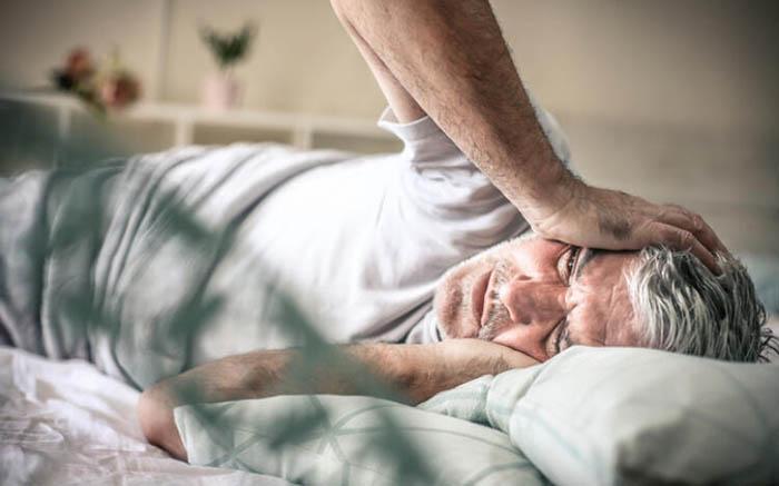 3 triệu chứng xuất hiện ở mặt và đầu vào buổi sáng sớm, coi chừng nhồi máu não tấn công - 1
