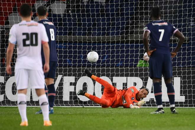 """Video PSG - Lille: Mbappe xứng danh """"Con thần gió"""", trả giá vì sai lầm - 1"""