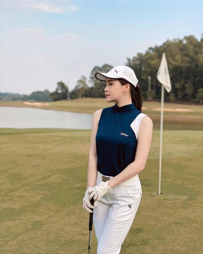 Người đẹp Đà Nẵng chẳng những có gương mặt xinh đẹp mà còn sở hữu thân hình cân đối nhờ chăm chỉ tập thể thao.