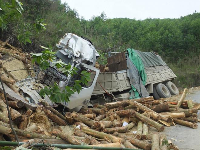 """Vụ tai nạn khiến 7 người tử vong: """"Tôi thoát chết nhưng mẹ tôi lại bỏ mạng ở đó, đau lòng lắm"""" - 1"""