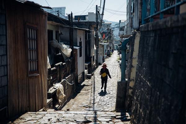 Khung cảnh mơ màng ở thành phố không có đèn giao thông tại Việt Nam - 1