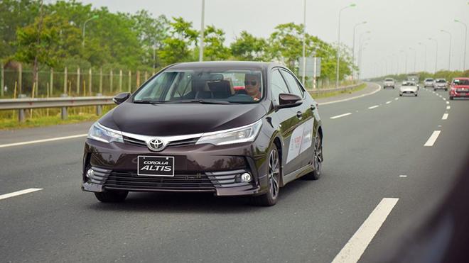 Giá xe Toyota Corolla Altis lăn bánh tháng 3/2021 - 1