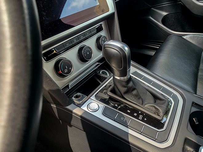 Trải nghiệm xe Volkswagen Passat, chiếc sedan dành cho người đam mê - 11