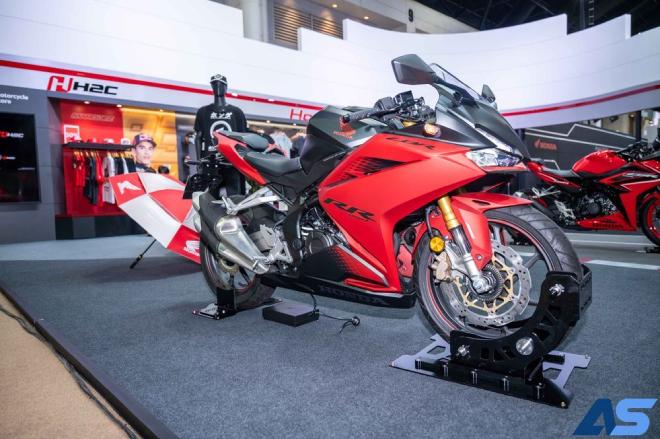 2021 Honda CBR250RR SP giảm giá mạnh, cuốn hút dân tập chơi - 1