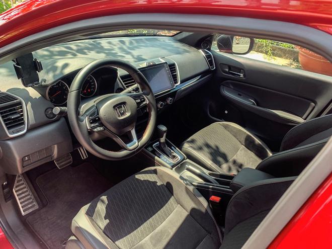Đánh giá xe Honda City RS, thiết kế bắt mắt và cải thiện tốt cảm giác lái - 3