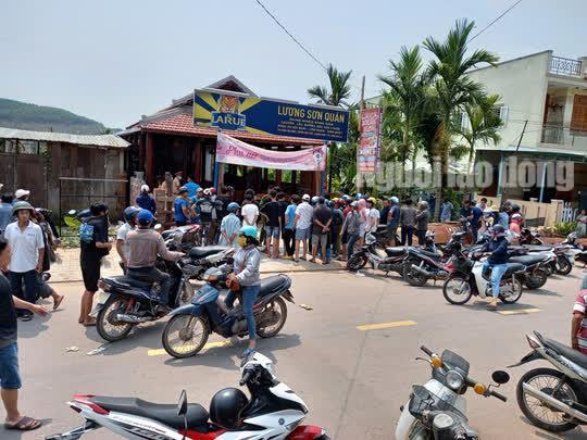 Án mạng kinh hoàng ở Quảng Nam, đầu bếp tử vong, vợ chồng chủ quán bị thương - 1