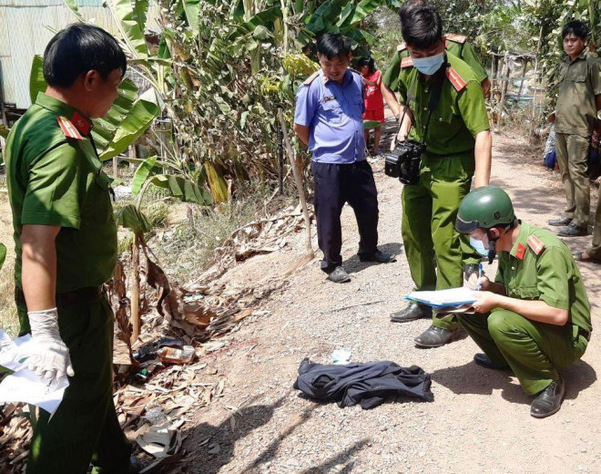 NÓNG: Bị bắt quả tang, kẻ trộm chó bắn chết chủ nhà - 1