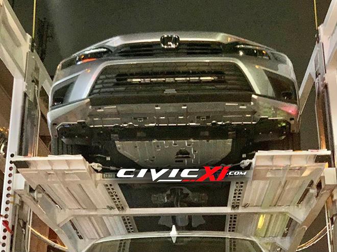 Honda Civic 2022 xuất hiện không che chắn trên xe vận chuyển - 4