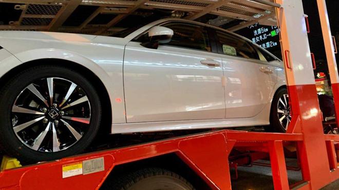Honda Civic 2022 xuất hiện không che chắn trên xe vận chuyển - 7