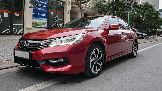 Sau 4 năm sử dụng Honda Accord rớt giá hơn 700 triệu đồng - 1
