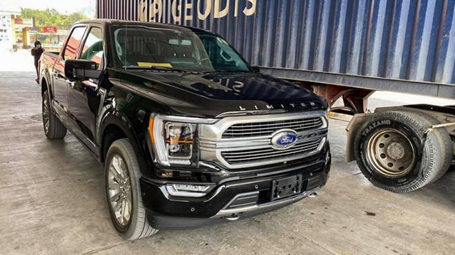 Ford F-150 2021 đầu tiên có mặt tại Việt Nam, giá hơn 3 tỷ - 1
