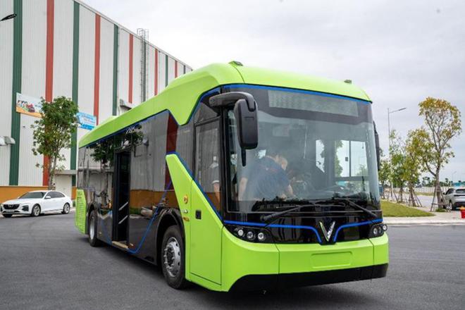 Xe buýt điện VinFast được vận chuyển về Hà Nội, sẵn sàng hoạt động - 6