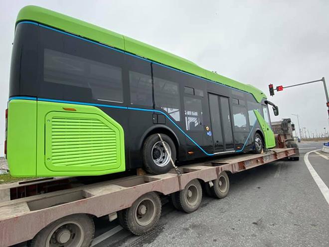 Xe buýt điện VinFast được vận chuyển về Hà Nội, sẵn sàng hoạt động - 5