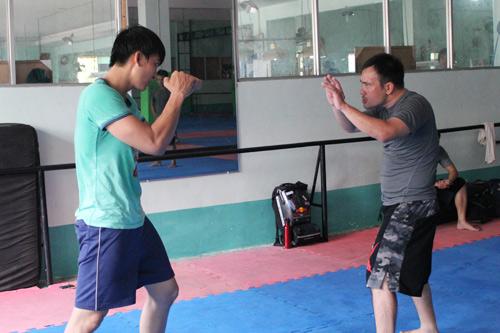 Đột kích Johnny Trí Nguyễn trong phòng tập - 12
