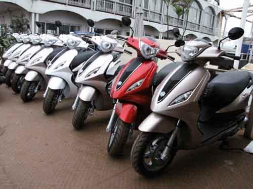 Thị trường xe máy tháng 4: Ngoại về, nội ế! - 1
