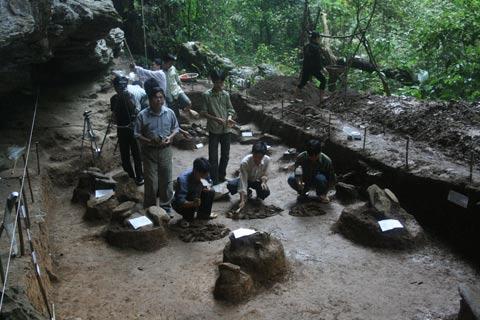 Hé lộ bí ẩn mộ táng Phia Muồn ở Tuyên Quang - 1