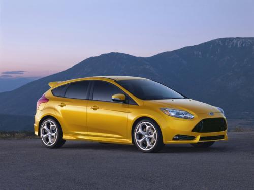 Báo giá Ford Focus ST 2013 - 1