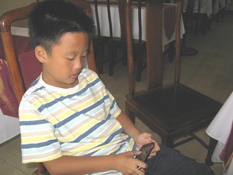 Gặp cậu bé 9 tuổi từ chối đến trường - 1