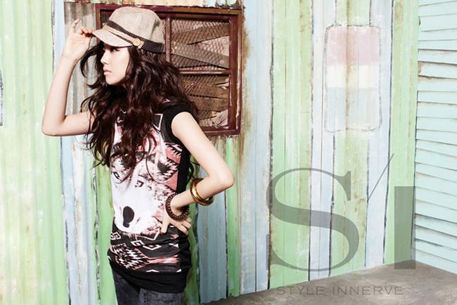 Cô được biết tới khá nhiều với vai diễn Yoo Seung Mi trong phim Người thừa kế sáng giá.