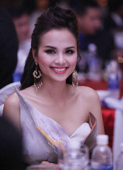 Hoa hậu Việt nói gì về tình, tiền? - 1