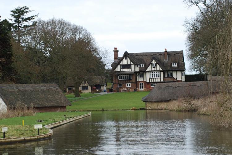 Ngôi làng rất nổi tiếng bởi vẻ đẹp hiền hòa, tĩnh lặng.