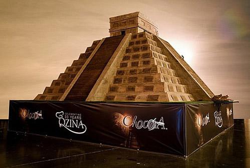 Kim tự tháp bằng chocolate lớn nhất thế giới - 1
