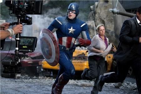 Avengers hạ đo ván Battleship - 1