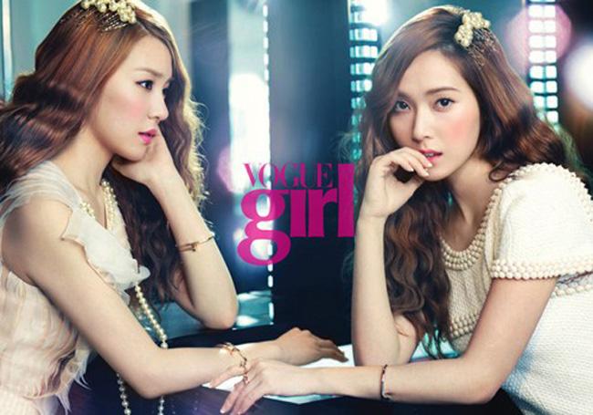 Hai thành viên Tiffany và Jessica của nhóm SNSD