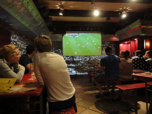 Thưởng thức EURO 2012 an toàn và tiết kiệm - 1
